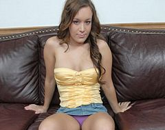 Brunette teen getting her squish mitten slammed